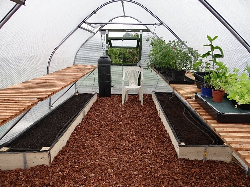 A customer comments on building a Gardener kit greenhouse.