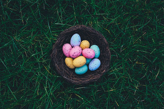How to organise an easter egg hunt in your garden